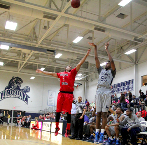 "Richard ""Blake"" Ralling shoots for the LU Blue Tigers (photo courtesy LU Sports Information)"